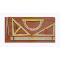 Przybory tablicowe, kreślarskie na tablicy (zestaw)